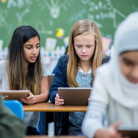 4 things to know about teaching digital literacy to refugees
